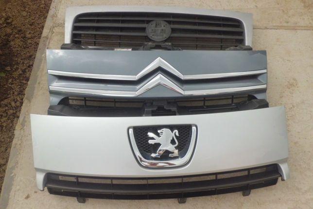 Решотка радіатора Фіат Скудо Fiat Scudo Peugeot Expert Citroen з 2007