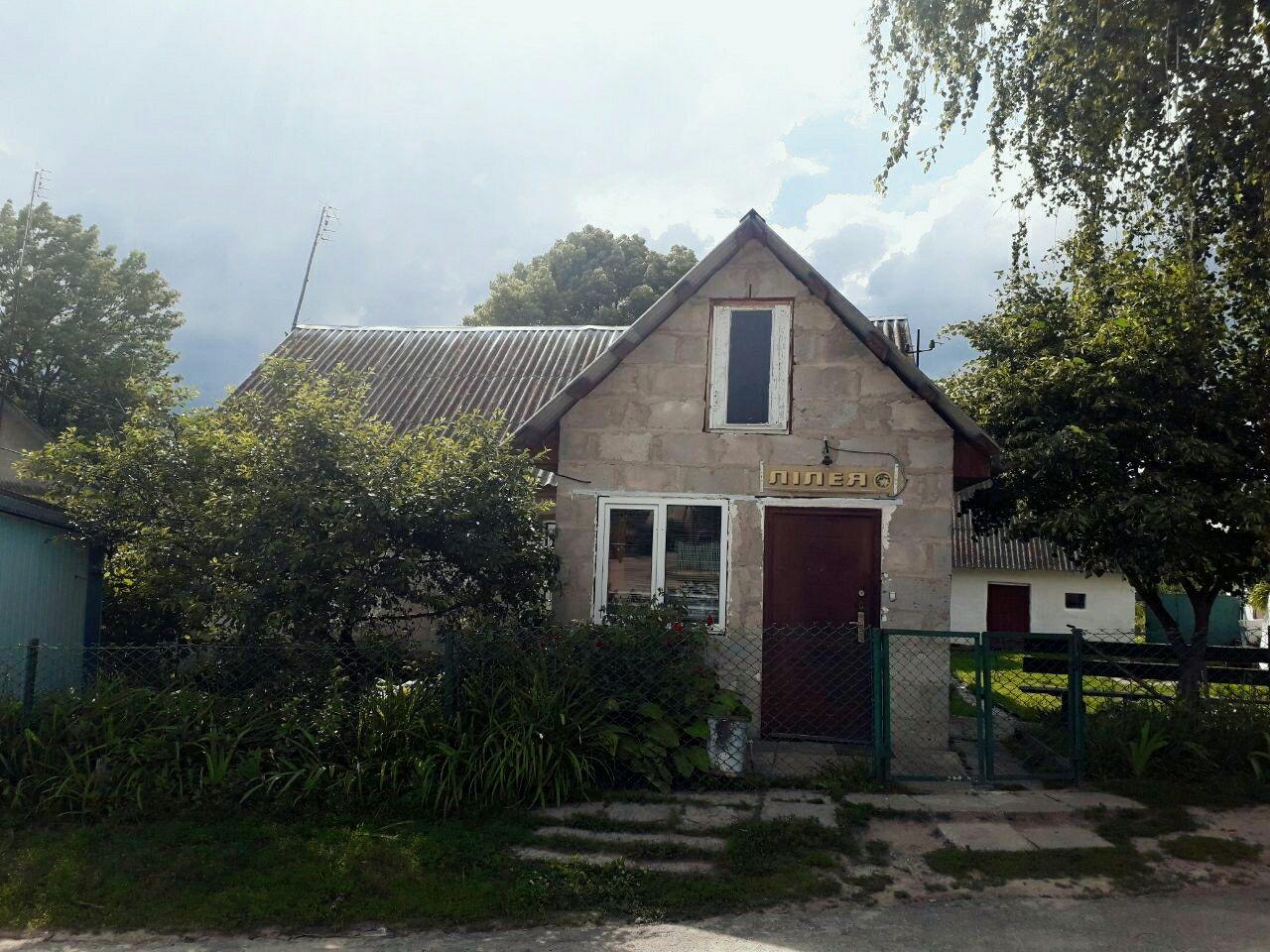 Хата село Хорів.