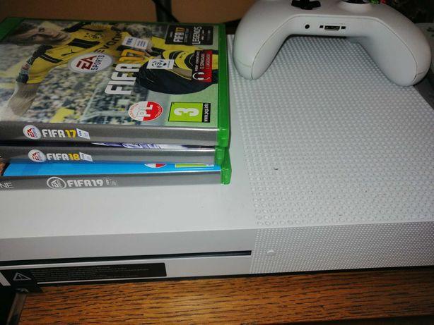 Xbox One S + Pad + GamePass 2m