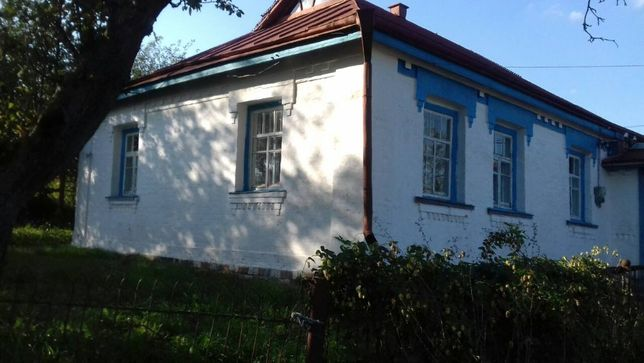 Продам дом с участком 81 сотка , с.Чернын Таращанский р-н