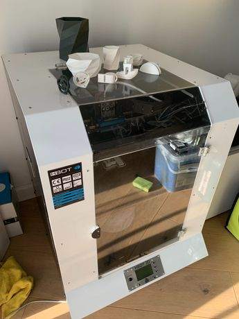 Drukarka 3D hbot 30x30x30 grzany stół zamknięta