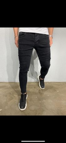 Мужские джинсы , чёрные