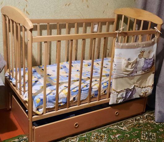 Продам  ліжечко ( матрац у подарунок)