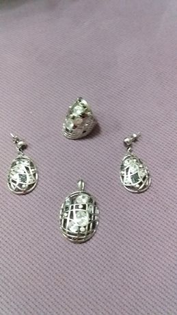 Набір срібний з камінчиками