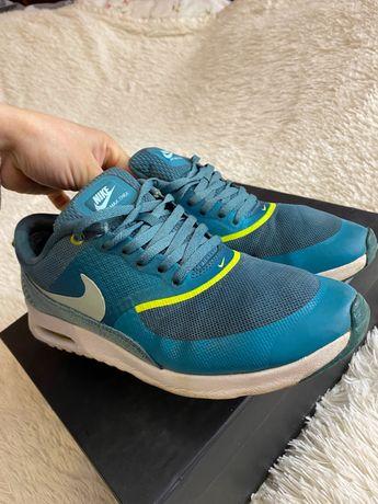 Кросовки жіночі Nike