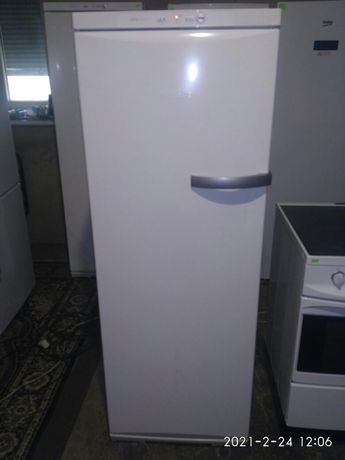 Морозильная камера Miele
