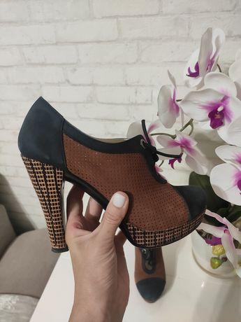 Красивые, натуральные туфли ботильоны с перфорацией , 37 размер
