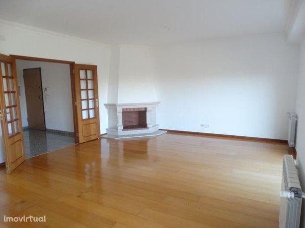Apartamento T3 / Arrendamento / Excelente Localização em Leiria