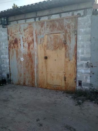 Продам капитальный гараж. Пеноблок, Днепровский район