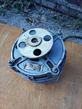 Продам электродвигатель для стиральной машинки.Машинку Чайка-3