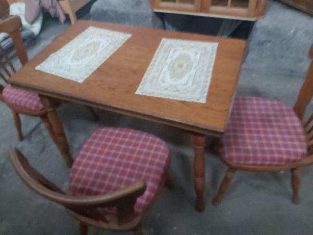 Stół debowy plus 3 krzesła