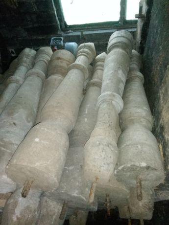Słupki  betonowe 85 cm. Drzwi wewnętrzne 80 90