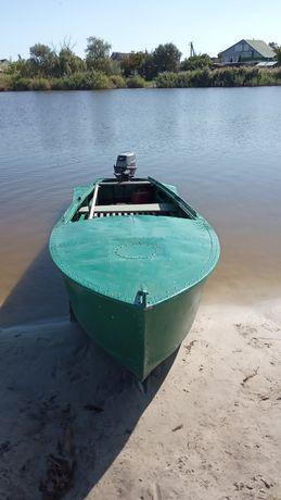 Продам лодку южанка с мотором тохацу 15
