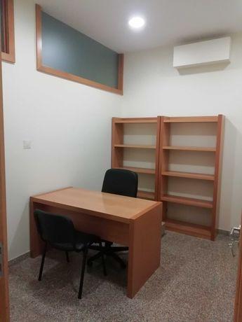 2 estantes +1 mesa+2 cadeiras visitante+cadeira executivo+1 módulo