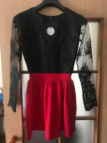 Платье женское черно-красное с гипюром