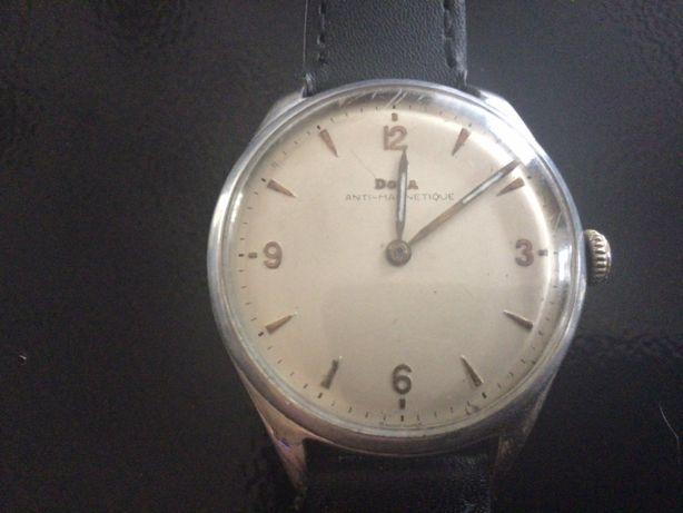 Zegarek Doxa , kultowy