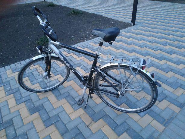 Продамили обменяю немецкий дорожный велосипед.