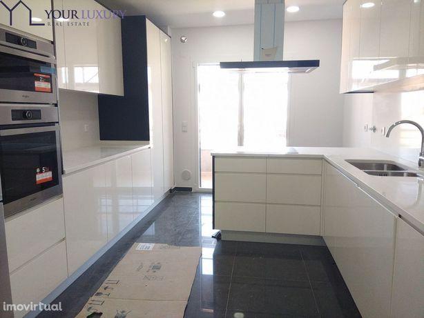 Apartamento T3, Varanda frontal 33 m2, Excelentes Acabamentos