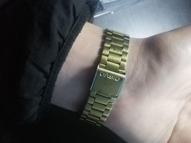 Relógio Casio Dourado com Camuflagem
