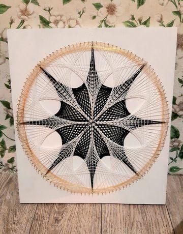Картина нитками в технике String art