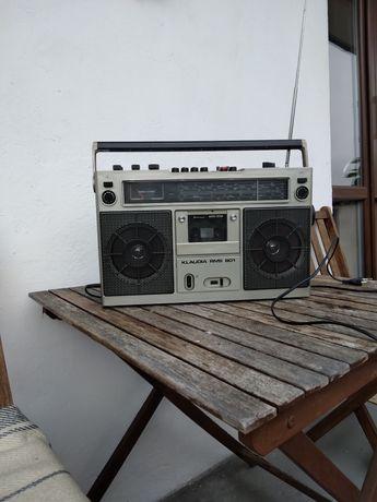 Radio-magnetofon.