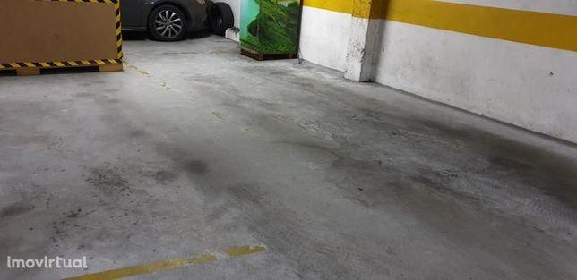 Garagem, 14m2, São João Da Madeira