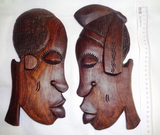 Um par de figuras M/F esculpido em madeira - Artesanato africano