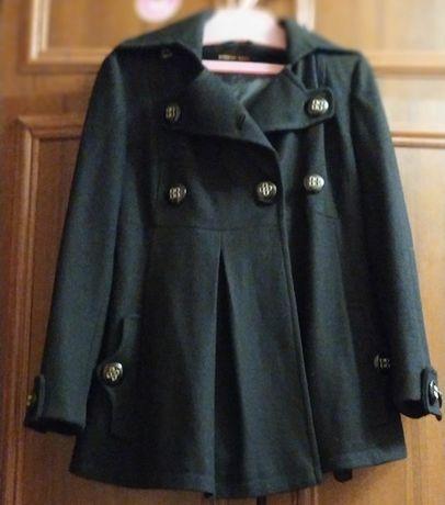 Продам весеннее пальто для беременных