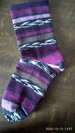 Продам вязаные носки на вязальной машине.