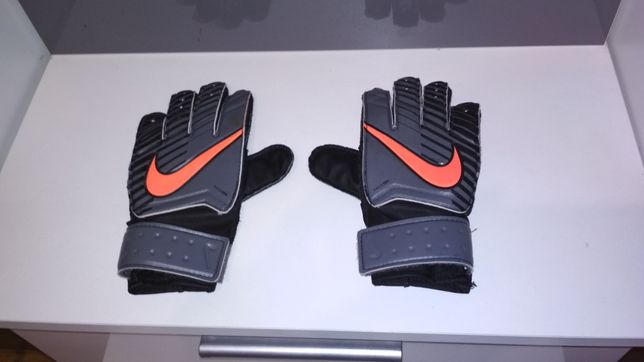 Rękawiczki piłkarskie rozmiar 4
