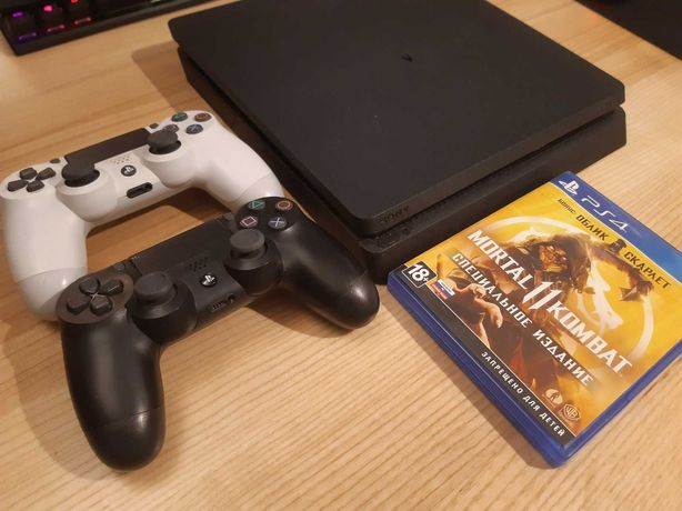 Playstation 4 500 Slim 2 геймпада + MK11