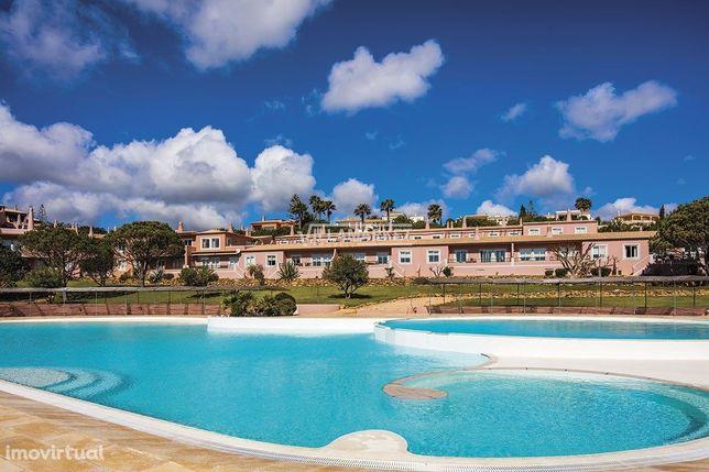 Empreendimento turistico e imobiliário  Golf & Resort, Praia da Luz, L