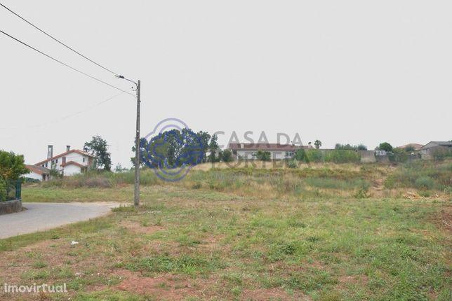 Terreno Rústico com possibilidade de Construção