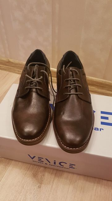 Мужские туфли фирма Venice размер 40