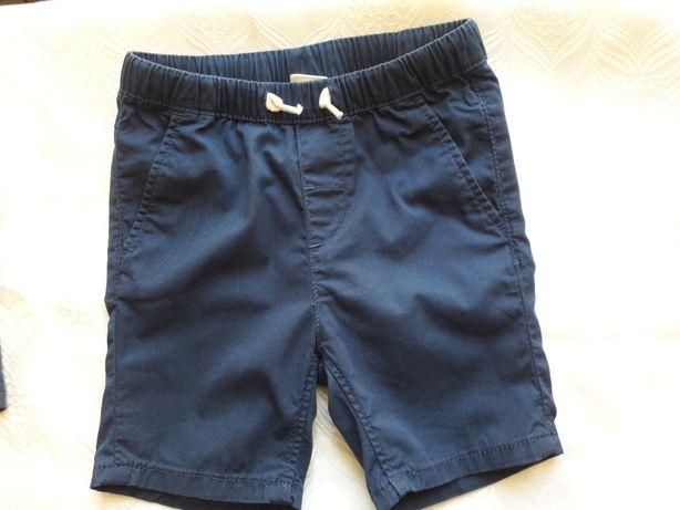 Шортики котоновые H&M на мальчика 6-12 месяцев.