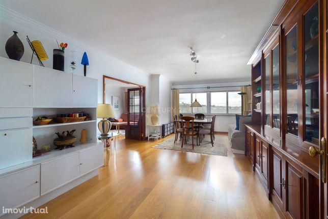 Excelente Apartamento T4+1 + Box, Em Linda-A-Velha - Miraflores