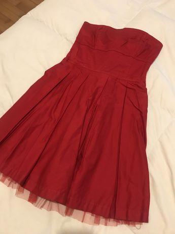 Vestido vermelho com forro em tule