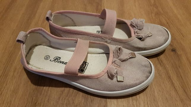 Dziewczęce kapcie pantofle r. 33