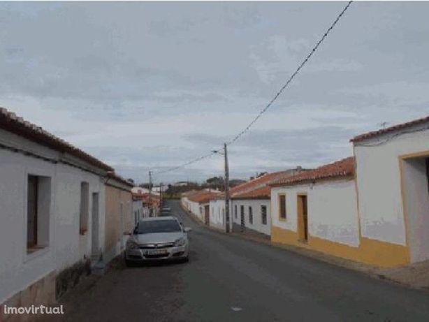 Moradia V2 c/ garagem em Amareleja - Moura - Beja