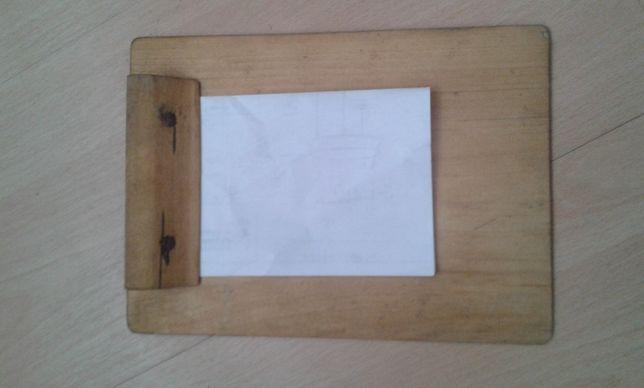 Drewniany antyk podstawka pod notatnik