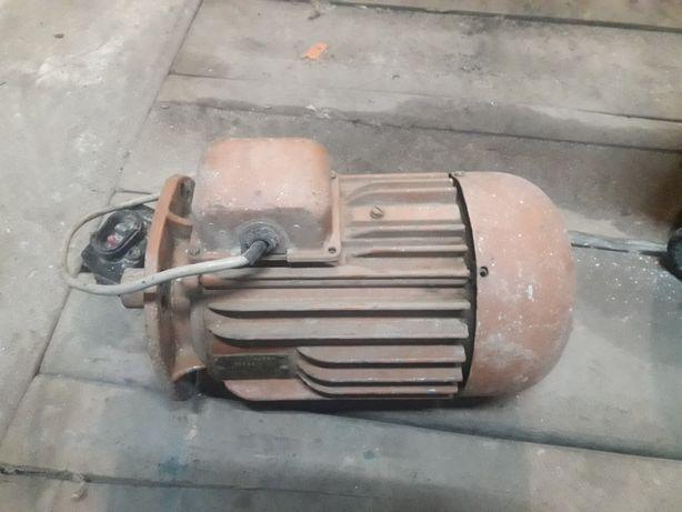 Электродвигатель мотор двигателя