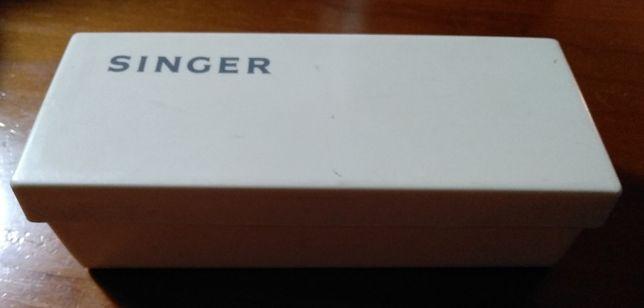 Caixa de acessórios da máquina de costura Singer - Vintage