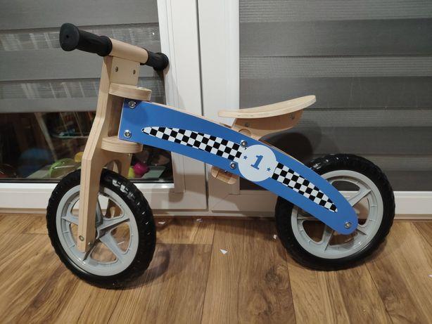 Drewniany rowerek biegowy formuła 1 dla trzylatka czterolatka