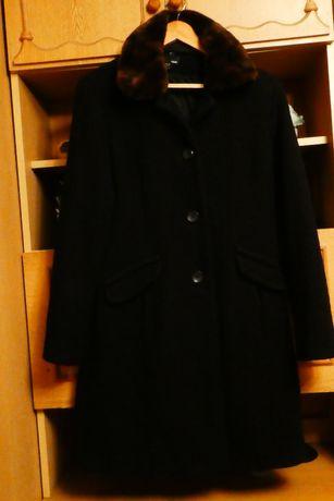 Palto damskie H&M miękkie i przytulne rozmiar 42 B.DB stan.