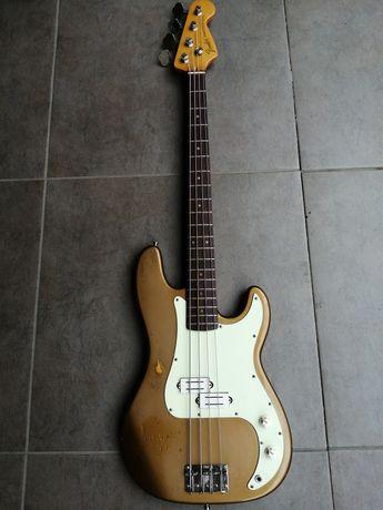 Gitara basowa japońska