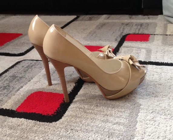 Eleganckie buty skórzane Danex 39