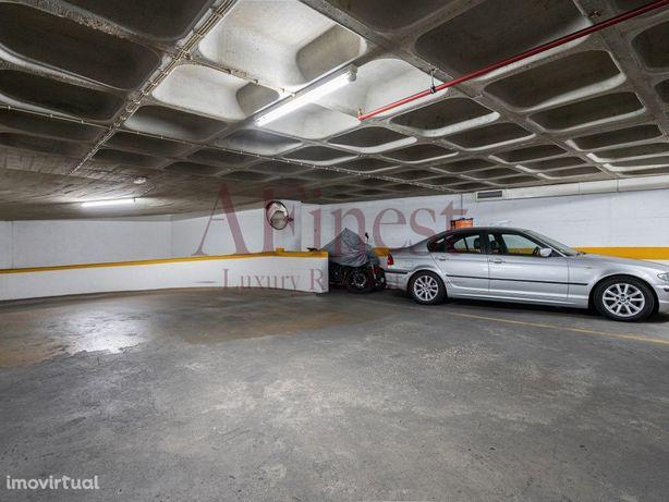 Garagem no Centro de Cascais