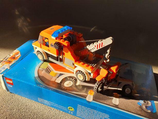 *** Klocki Lego City 7638 Pomoc Drogowa *** Holownik , Laweta , Auto