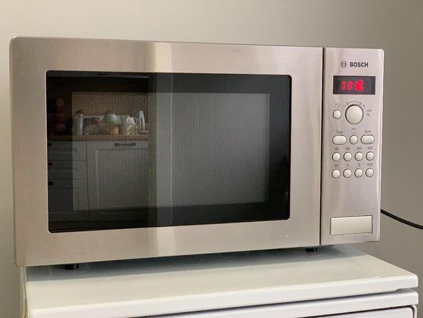 Kuchenka mikrofalowa Bosch HMT84G451