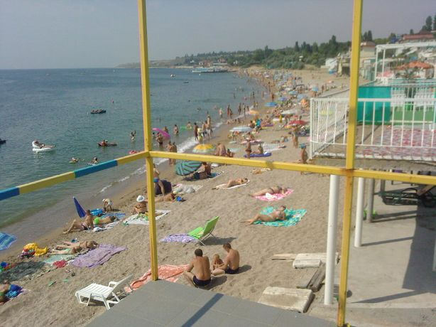 Продам 4 объединенных места с авар строениями на причале в Черноморске
